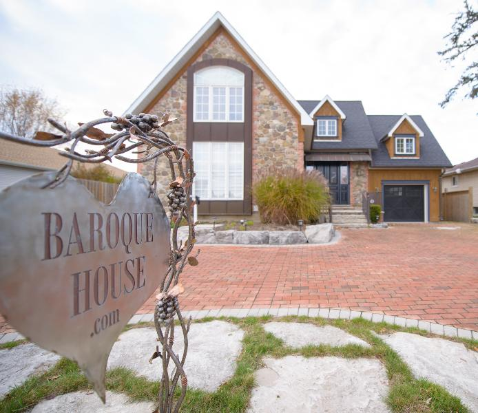 The Baroque House - Image 1 - Niagara-on-the-Lake - rentals