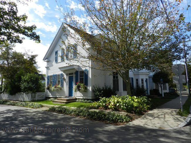 #61 Downtown Edgartown luxury with a pool! - Image 1 - Edgartown - rentals