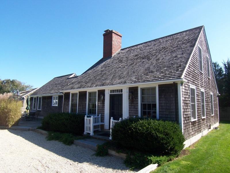 #117 - Lovely Downtown Rental option, 3 Bdr, 3 Bath - Image 1 - Edgartown - rentals