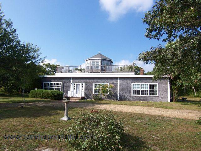 #454 A cozy, comfy cottage w/ access to private shared beach - Image 1 - Chappaquiddick - rentals