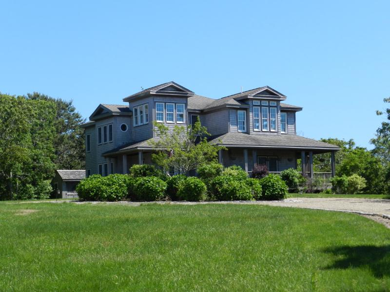 #488 Stunning Chappy rental home close to beaches - Image 1 - Chappaquiddick - rentals