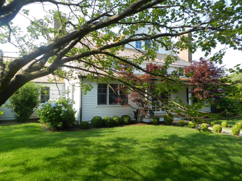 #1081 Wonderful Vacation Rental With Beach Association - Image 1 - West Tisbury - rentals