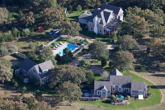 #7747 Three acre compound is an ideal vacation rental home - Image 1 - Gay Head - rentals