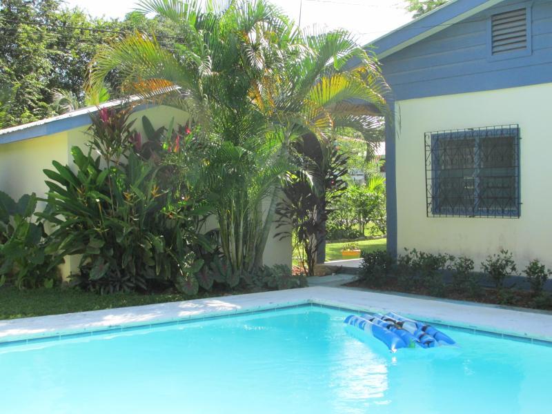 great pool - BELIZE   B & B with POOL-interior - Santa Elena - rentals