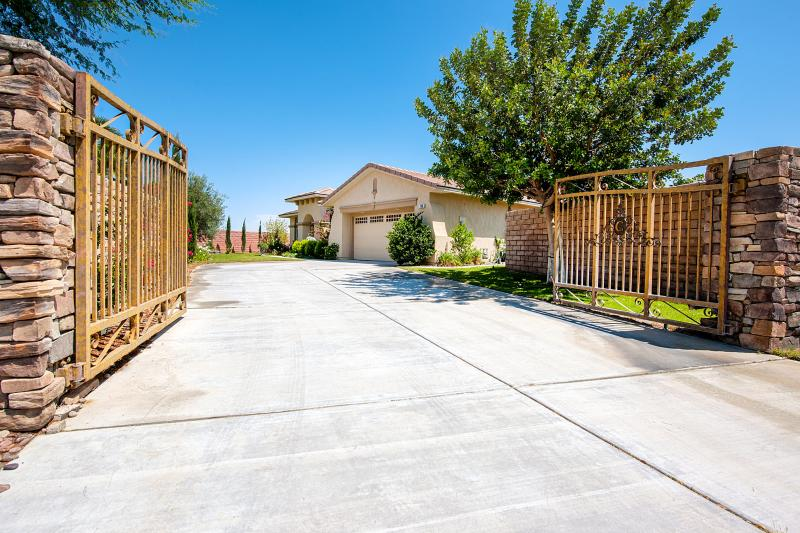 Gated Front Driveway - Tuscan Estate Compound - Rancho Mirage - rentals