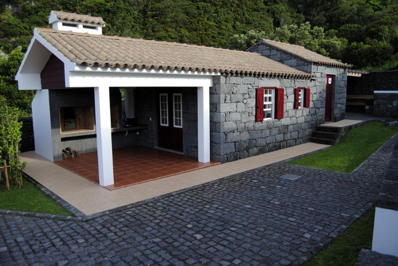 Casas da Fajã - House Bordeaux - Image 1 - Horta - rentals