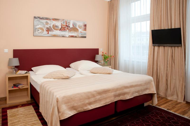 Bedroom 1 with variant double bed - Homely flat Ap7 - Vienna - rentals
