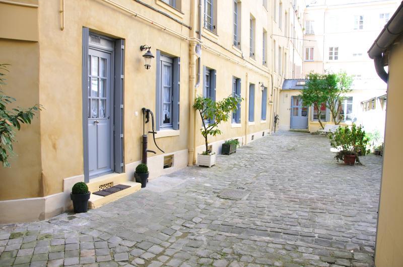 L'Escapade Versaillaise - One-bedroom apartment - Image 1 - Versailles - rentals