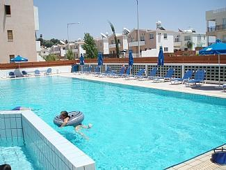 The magnificent pool - Luxury two bedroom apartment - Paphos - rentals