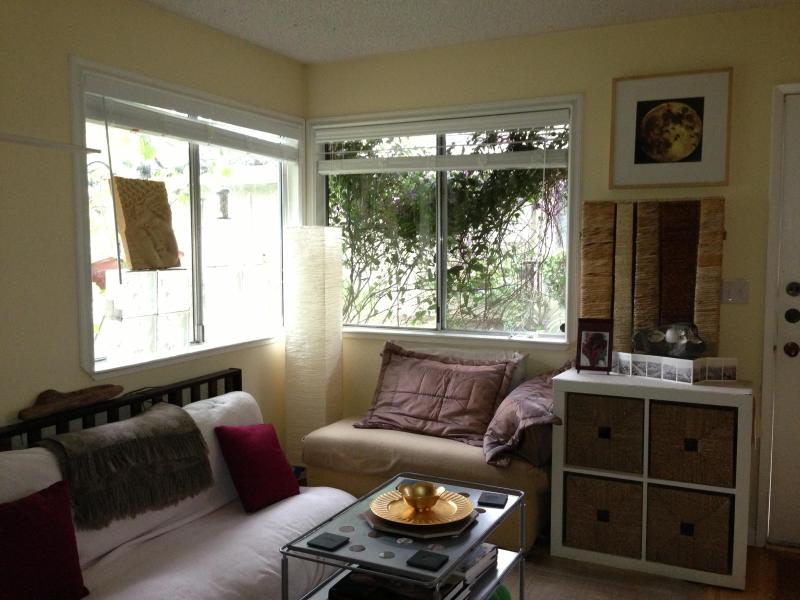 Living Room with futon and pull out for additional quests - Great Deal last 2 weeks in August!! - Capitola - rentals