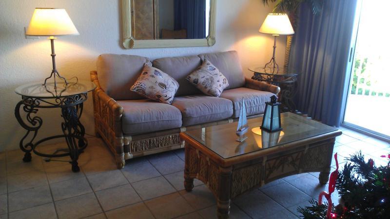 Sunrise Suites #407 Living Room - Penthouse Condo in Key West Florida - Key West - rentals