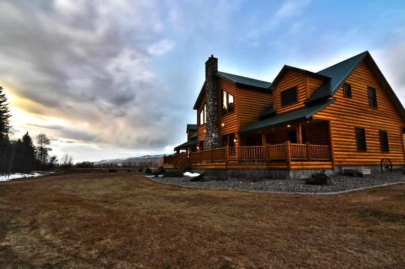 Cabin w/ Everything you'd ever need! - Image 1 - Swan Valley - rentals