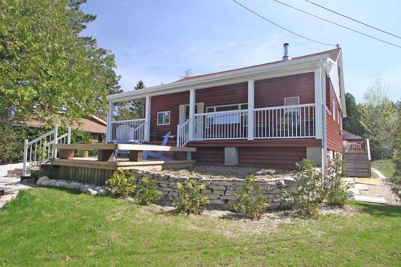 Sunset Red cottage (#752) - Image 1 - Sauble Beach - rentals