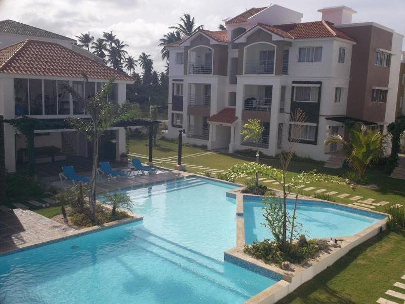 Spacious penthouse near beach - with large pool, fitness center and internet - Image 1 - Punta Cana - rentals