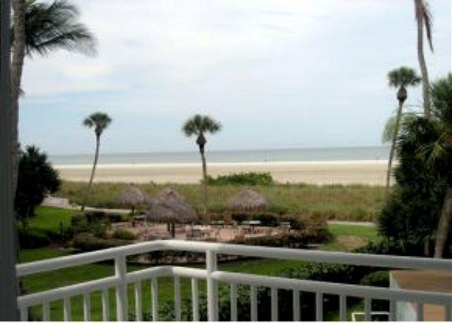 Bungalow-style beachfront condo with heated pool & short walk to restaurants - Image 1 - Marco Island - rentals