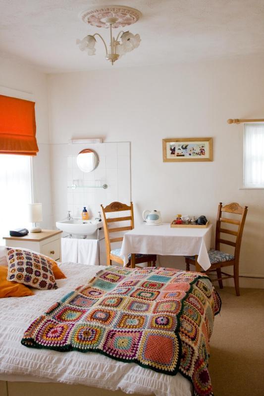 Bedroom 1, Double En-suite - Lyonesse Guest House - Falmouth - rentals