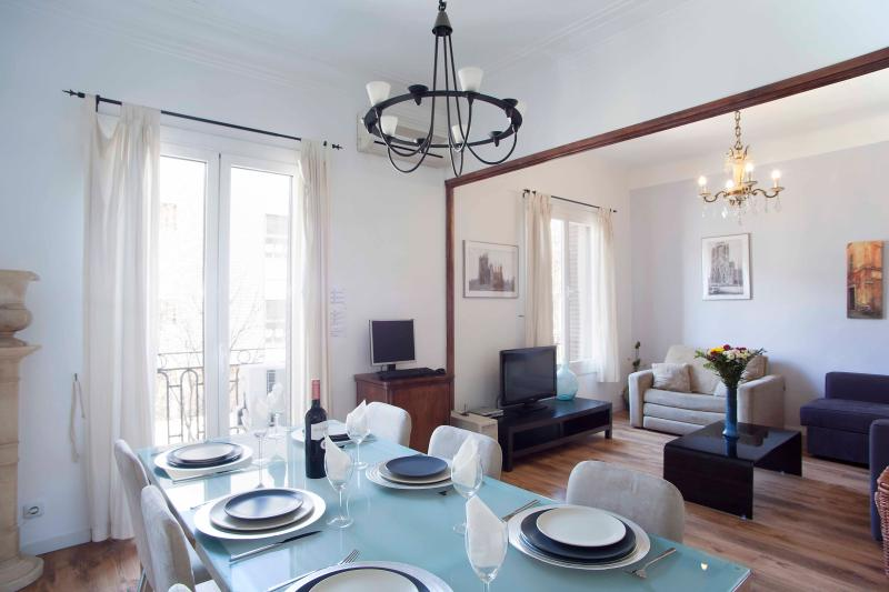 Beautiful fully equipped apartment only three minutes from the Sagrada Familia - Close to Sagrada Familia (sleeps up to six) - Barcelona - rentals