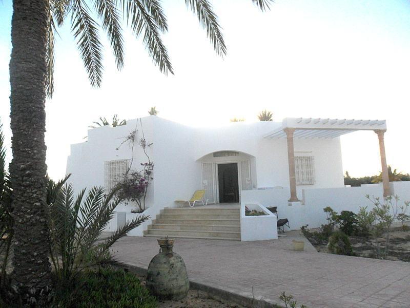Djerba, villa for 6 front sea - Image 1 - Djerba - rentals