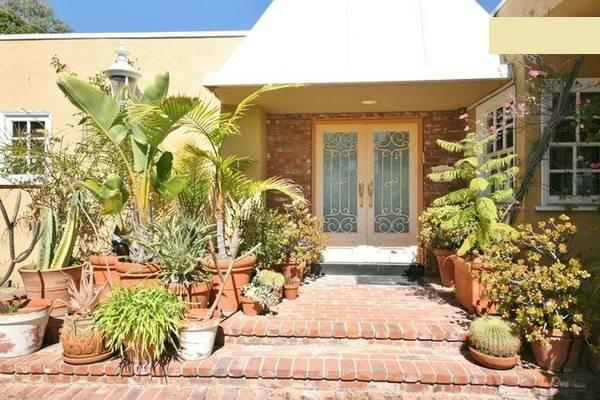Entrance to Beverly Hills Home - Luxury House Beverly Hills Pool View Jacuzzi - Beverly Hills - rentals