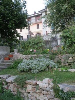 the garden - Typical B&B in the mountains near the Como Lake - Casargo - rentals