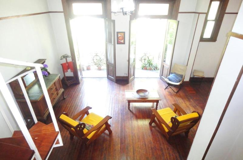 Old-style. Hardwood floors, high ceilings. - Image 1 - Argentina - rentals