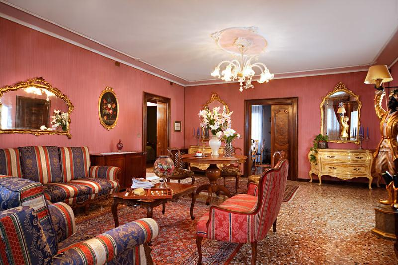 living room - Fascinating Venetian flat close to St. Mark's Squa - Venice - rentals