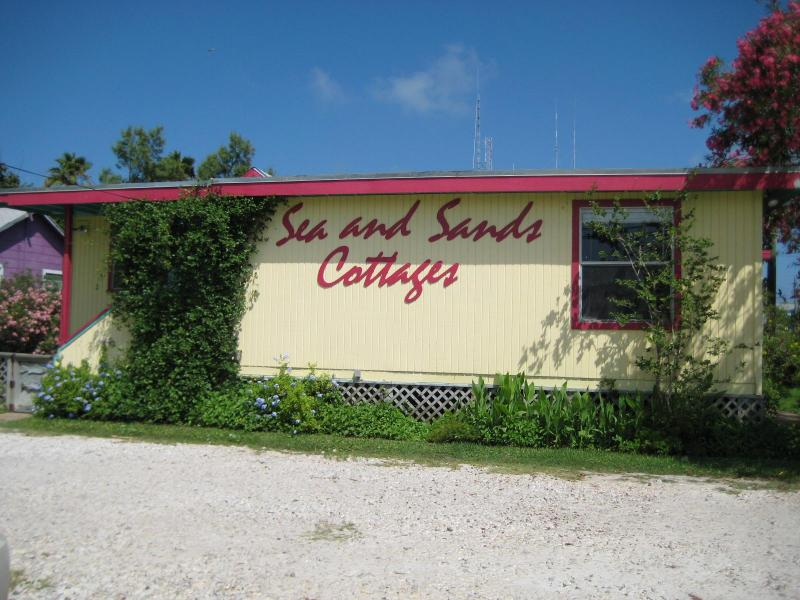Sea and Sands Cottages - Image 1 - Port Aransas - rentals