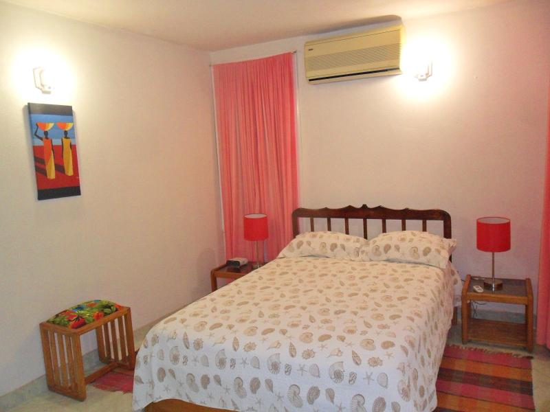 Bedroom (double bed) - Christ Church - Gentle Breeze Apartments - Apt.#1 - Worthing - rentals