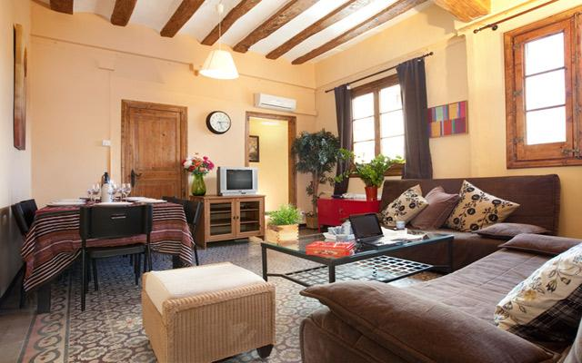 Living area - GRAND BORNE, 5bds +2bths, up to 12! - Barcelona - rentals