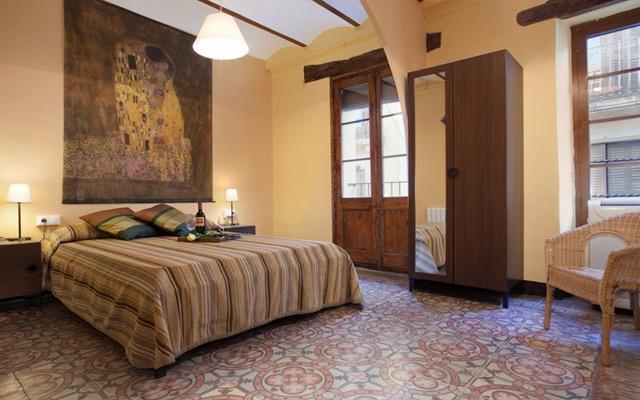 Bedroom - GRAND BORNE, 5bds +2bths, up to 12! - Barcelona - rentals