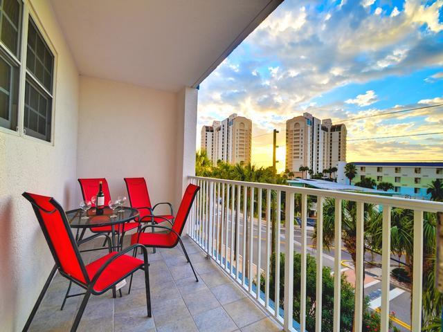 Dockside Condos 304 with balcony - Image 1 - Clearwater Beach - rentals