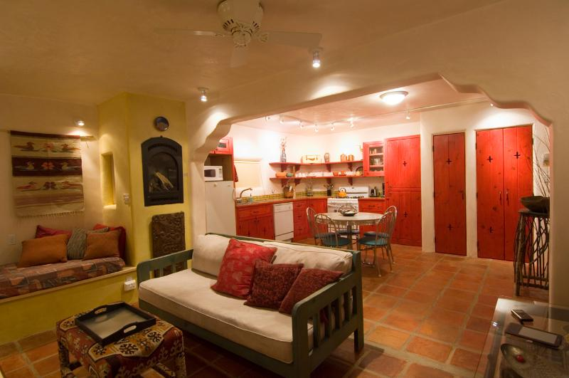 A lovely place to visit - Location Location short walk to the Taos Plaza - Taos - rentals