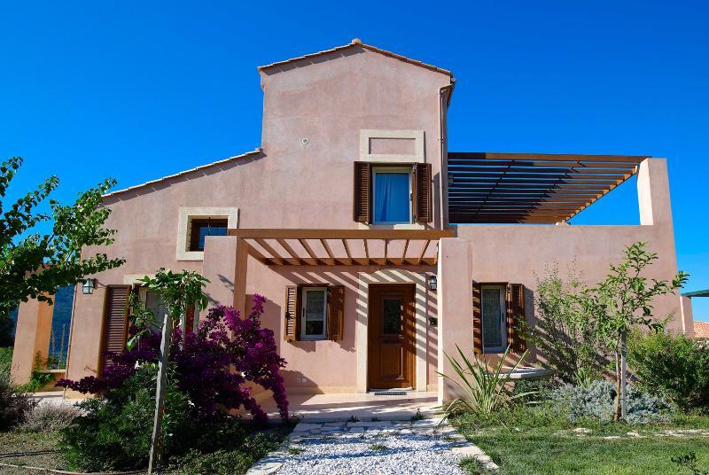 CASSIOPE  Superior house at Eliathos - Image 1 - Heraklion - rentals