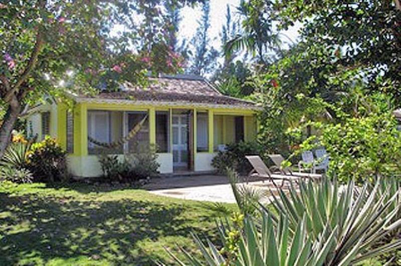 PARADISE PBB -  110464 - 1 BED TROPICAL COUNTRYSIDE BEACHFRONT COTTAGE IN RUNAWAY BAY - Image 1 - Runaway Bay - rentals