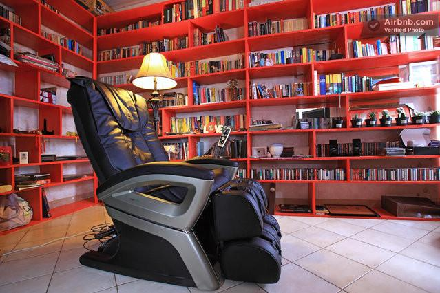 Master bedroom with library, massagechair and crosswalker - Luxury App. with massagechair and crosswalker - Jakarta - rentals
