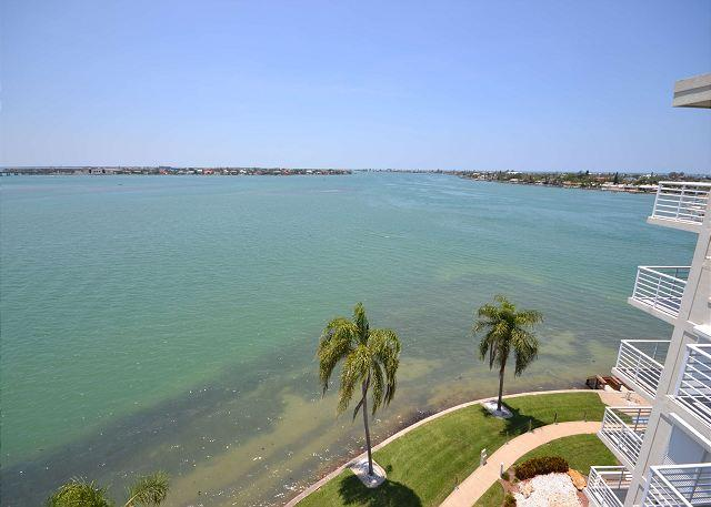 Bahia Vista 17-881 Amazing Penthouse with Spectacular Bay Views! - Image 1 - Saint Petersburg - rentals