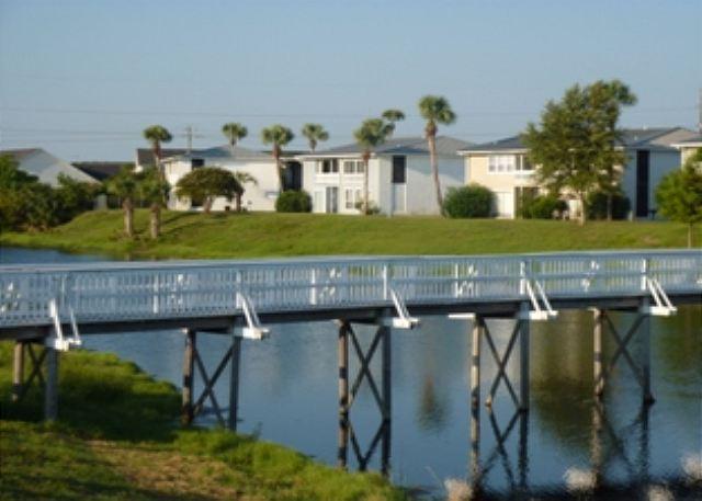 Gulf Terrace Complex Lake View - Wonderful 2 Bedroom 2 Bathroom Condo Near the Beach!! Second floor unit!!!!!! - Destin - rentals