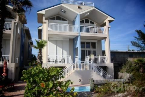 Four bedroom townhouse, end unit, on the beach - Captains Townhouse - Madeira Beach - rentals