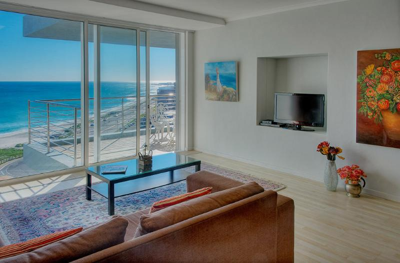 Lounge Area with View - Horizon Bay Beachfront Apartment - Cape Town - rentals