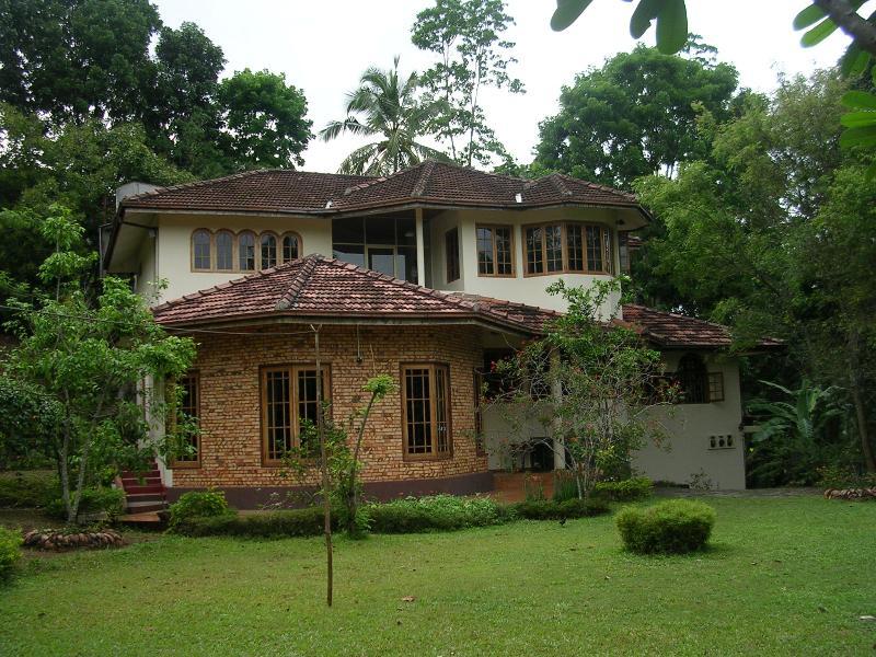 house - Villa Ebony: Quiet holiday home close to Kandy - Kandy - rentals