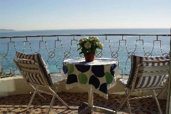 Cozy French Riviera Apartment on Promenade des Anglais - Image 1 - Théoule sur Mer - rentals