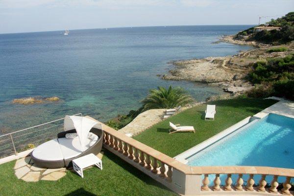 Cliff-front villa in Les Parcs de St. Tropez. AZR 393 - Image 1 - Le Plan-du-Var - rentals