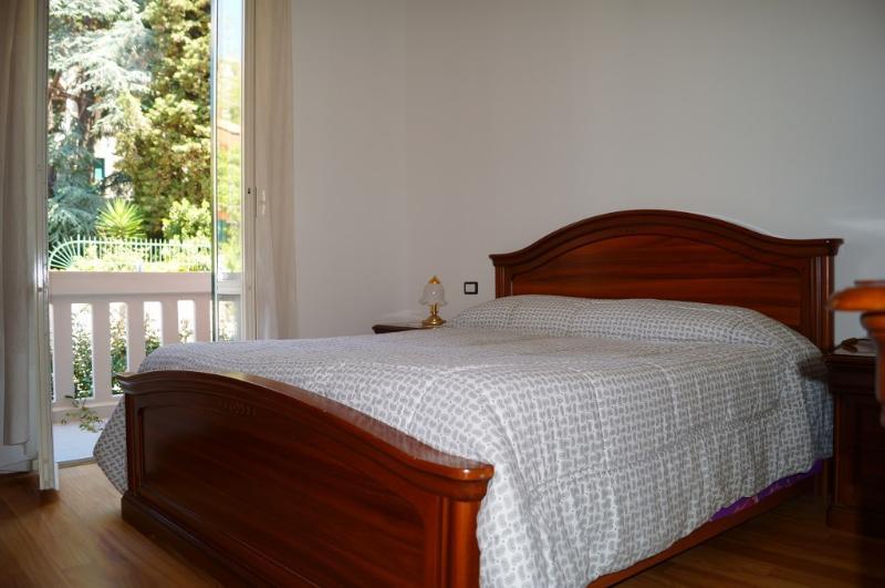 Master  bedroom - New 2 bdr 2 bath apt ,Levanto, Cinque Terre Park - Levanto - rentals
