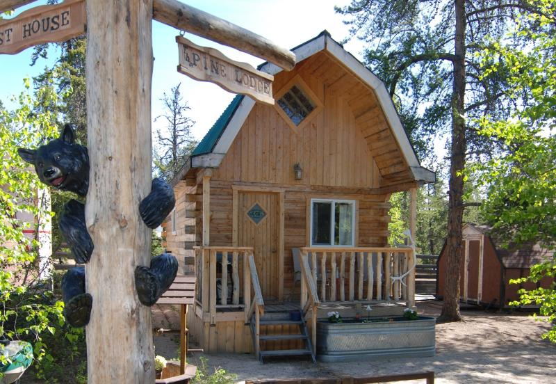 Pine Lodge - Country Cabin, Pine Lodge - Yellowknife - rentals