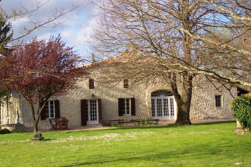 South Facade - Stone Farmhouse near St.Emilion Bordeaux Vineyards - Sainte-Radegonde - rentals