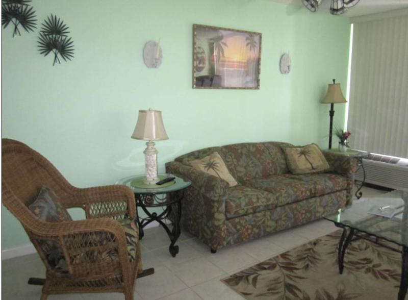 Tropical Living room - 106 Palms - 72 - Myrtle Beach - rentals