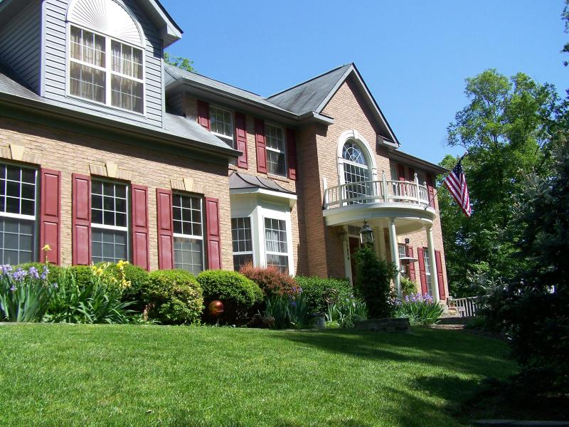 Front view of house - Luxury Estate in Northern VA - Manassas - rentals
