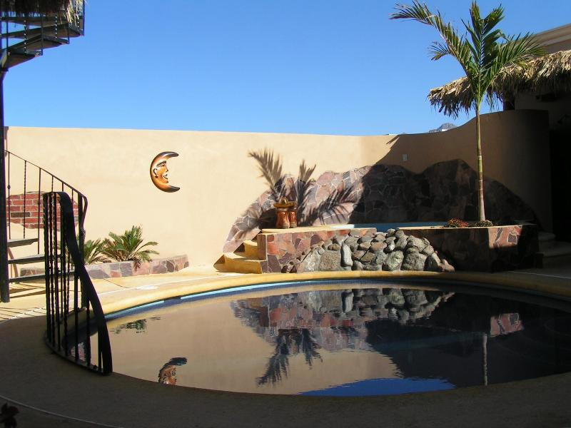 Courtyard, Pool and Jacuzzi - Pool, Jacuzzi &100yds from the beach,3 bed/bath, - San Carlos - rentals