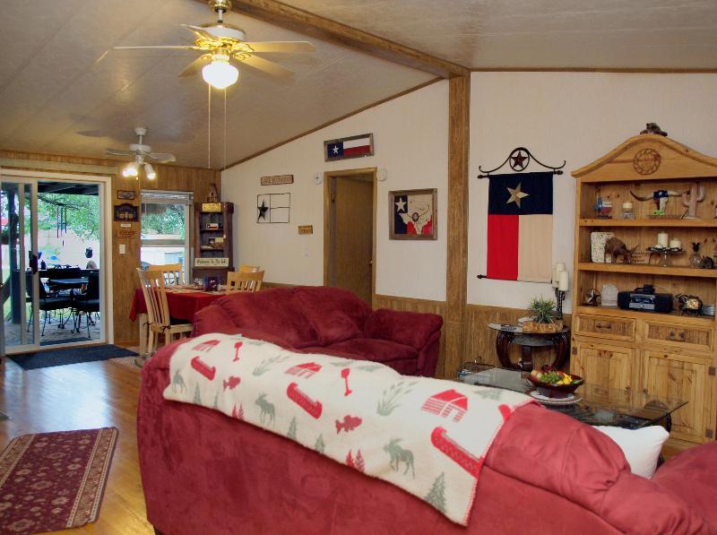 Comfortable Living and Dining - Lake House on Beautiful Lake Buchanan - Buchanan Dam - rentals