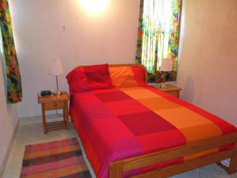 Bedroom - Christ Church - Gentle Breeze Apartments - Apt.#4 - Worthing - rentals
